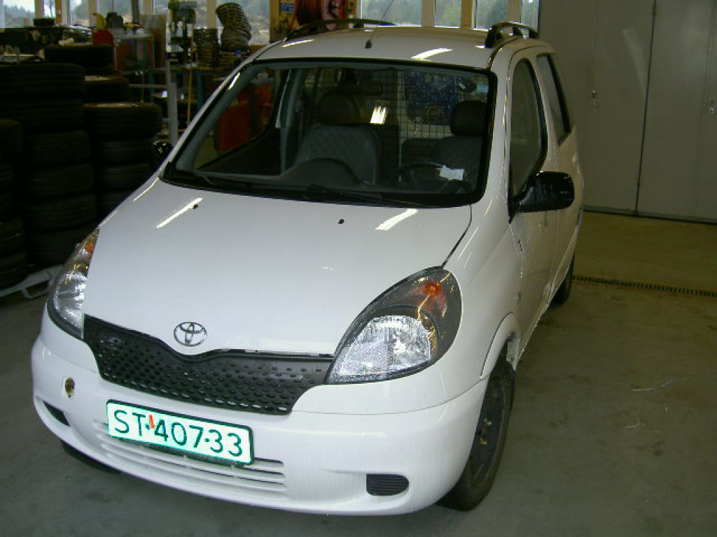 toyota yaris verso 2000 modell for sale retrade offers used machines vehicles equipment and. Black Bedroom Furniture Sets. Home Design Ideas