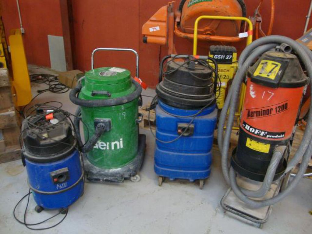 4 stk støvsugere for sale. Retrade offers used machines