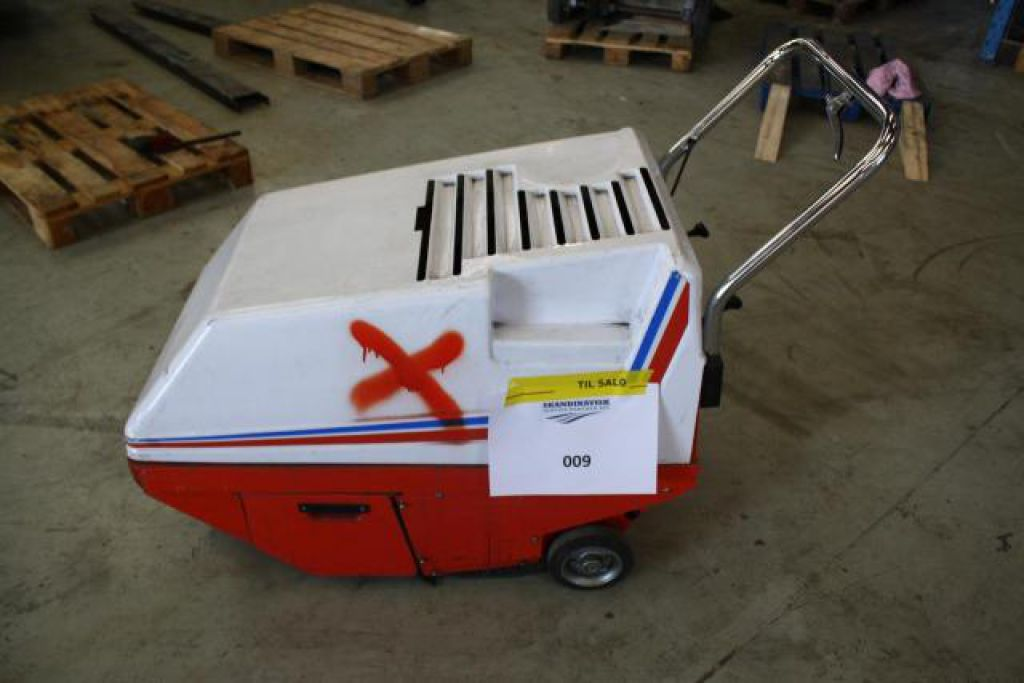 Dulevo 52 Fejemaskine for sale. Retrade offers used machines, vehicles, equipment and surplus ...