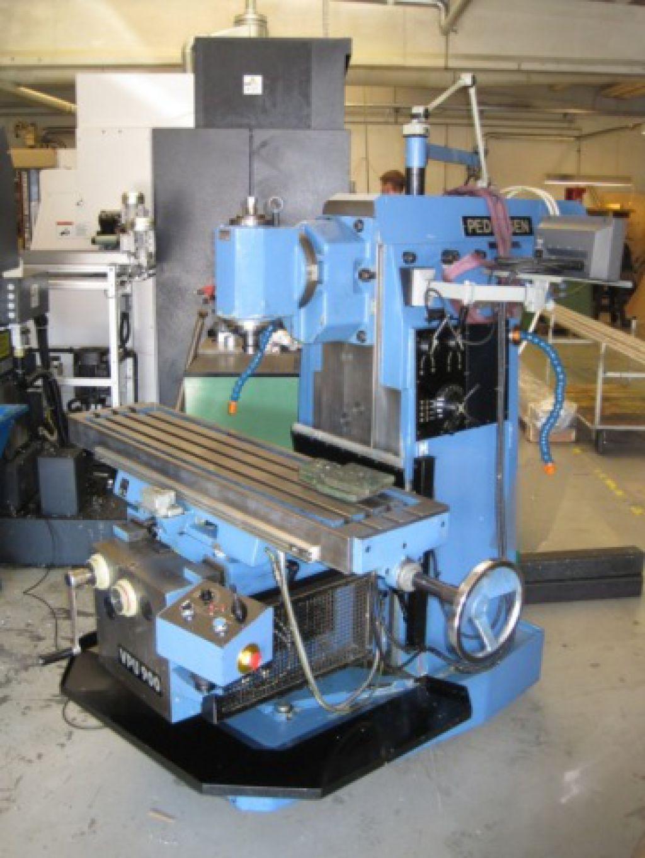 Pedersen VPU 900 univelsalfræser / VPU900 Universal Milling Maschine til salg. På Retrade kan du ...
