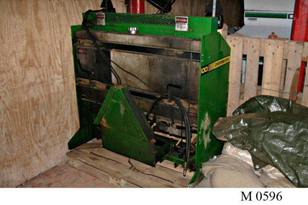 Used Zamboni Model 100 For Sale >> ZAMBONI 100 Ishøvl til vedlighold af skøjtebaner. for sale. Retrade offers used machines ...