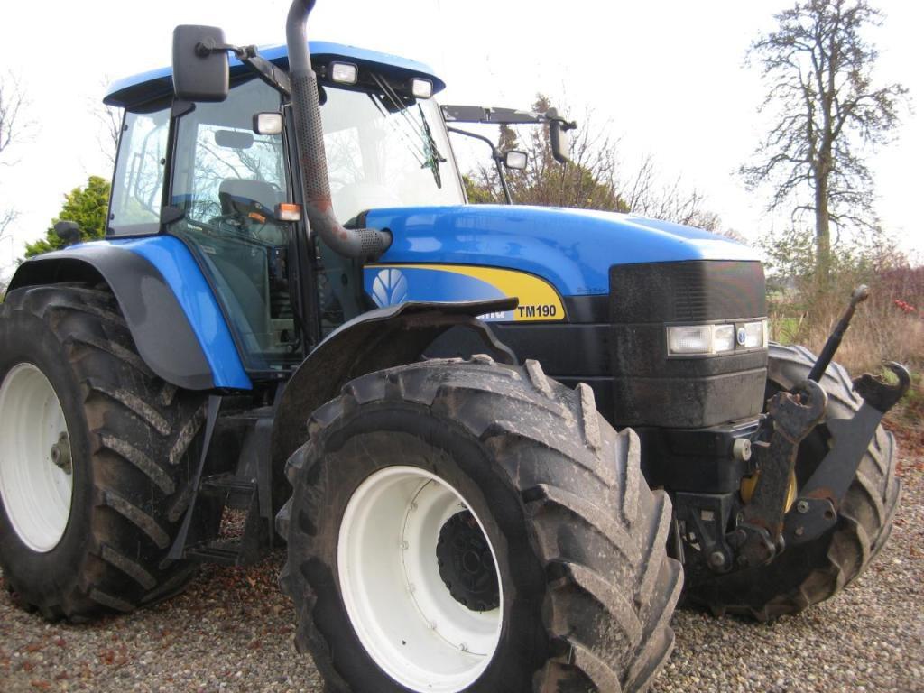 traktor new holland tm 190 tractor new holland tm190 til. Black Bedroom Furniture Sets. Home Design Ideas