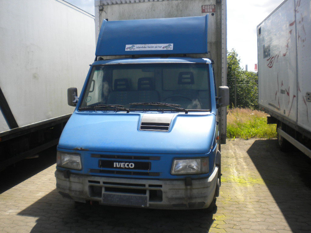 iveco turbo daily 35 10 classic hestetransporter for sale retrade offers used machines. Black Bedroom Furniture Sets. Home Design Ideas
