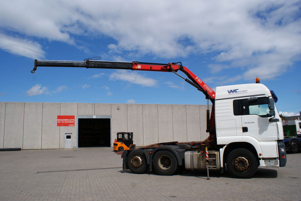 MAN Lastbil med kran / MAN truck with crane for sale. Retrade offers used machines, vehicles ...