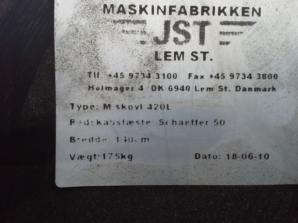 JST skovl til Schaffer minilæsser / JST shovel for a Schaffer mini loader til salg. P Retrade ...