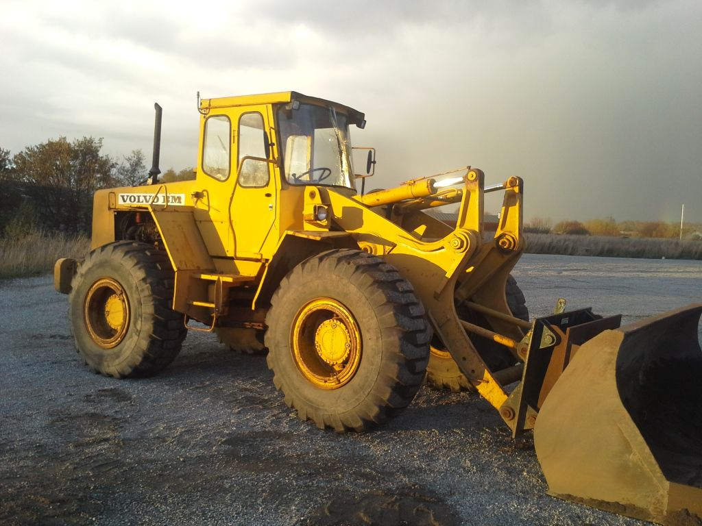 Volvo BM 846 gummiged / Volvo BM 846 wheeled loader for sale. Retrade offers used machines ...