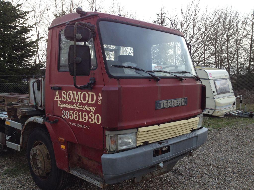 2 Axle Truck : Terberg tsr akslet lastbil med flak