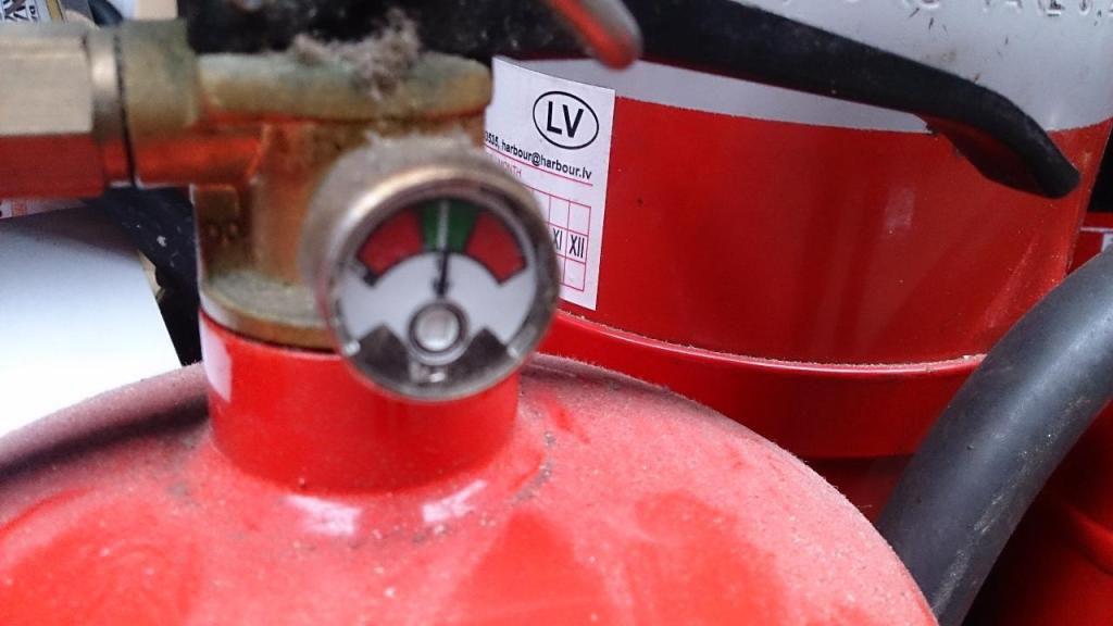 Pulver - Co2 ildslukkere / Powder - Co2 extinguishers for sale