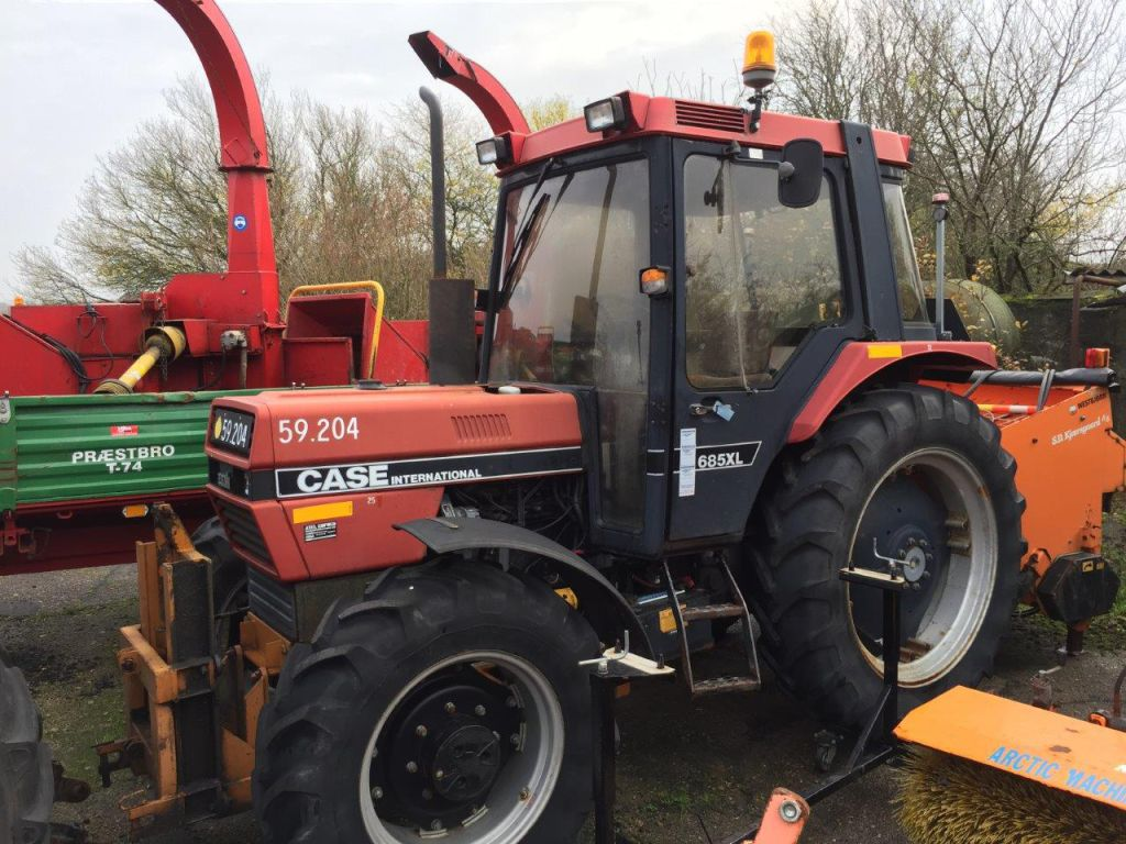 Case ih xl wd traktor for sale retrade offers used