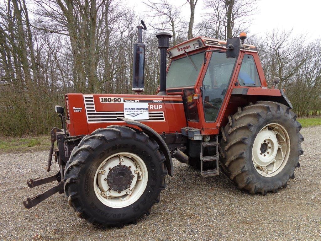 fiat 180 90 dt 4 wd traktor til salg p retrade kan du k be brugt udstyr maskiner k ret jer. Black Bedroom Furniture Sets. Home Design Ideas