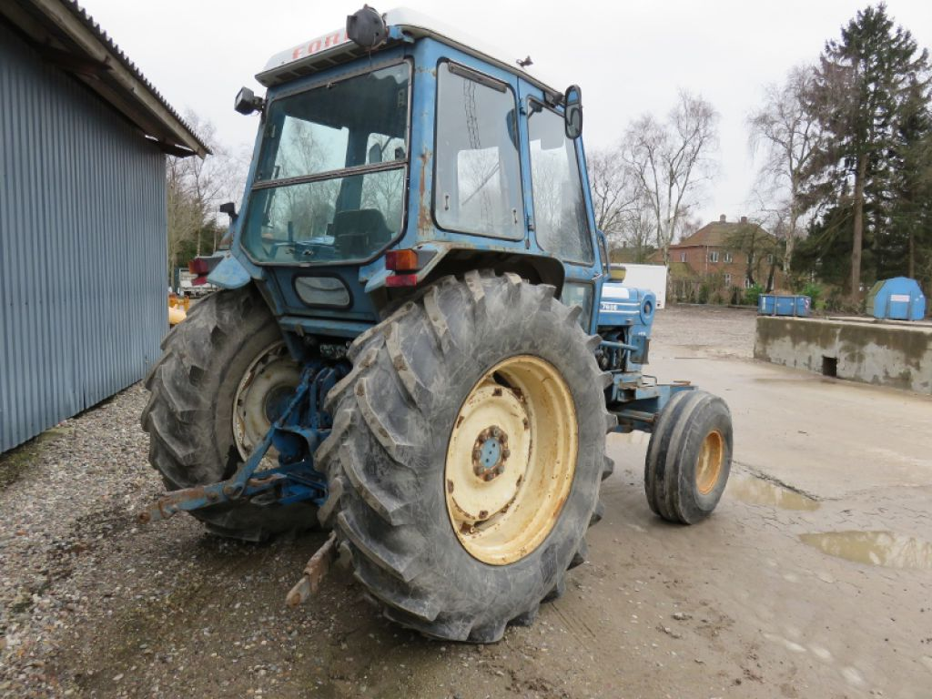 Ford 7600 Traktor    Ford 7600 Tractor With Liftarms Till