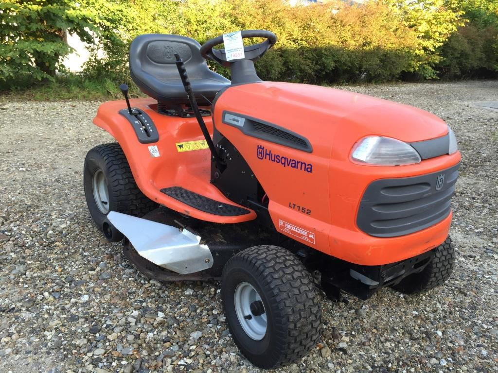 husqvarna lt 152 have traktor for sale retrade offers. Black Bedroom Furniture Sets. Home Design Ideas