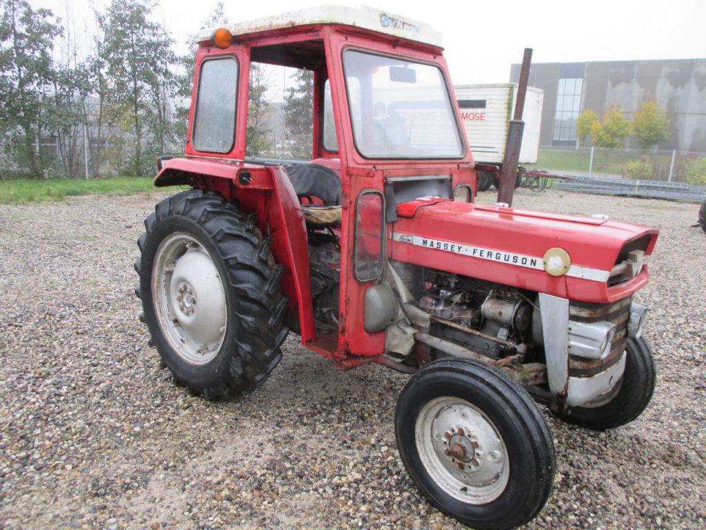 massey ferguson 135 traktor massey ferguson 135 tractor. Black Bedroom Furniture Sets. Home Design Ideas