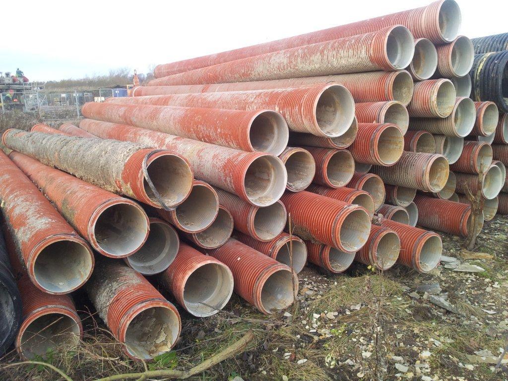 Avloppsrör ribbade Ø300 l=6m röd begagnade ok skav betong. ca 60st ... : avloppsrör : Inredning