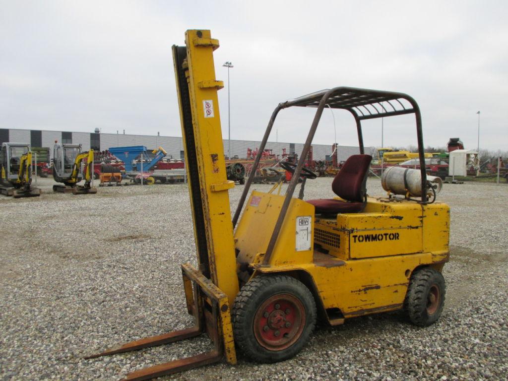 towmotor v60 gaffeltruck towmotor v60 forklift for sale