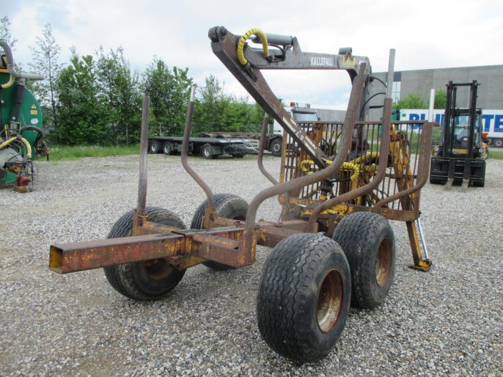 MOHEDA Skovvogn med kran / MOHEDA Lumber trailer with crane til salg. På Retrade kan du købe ...