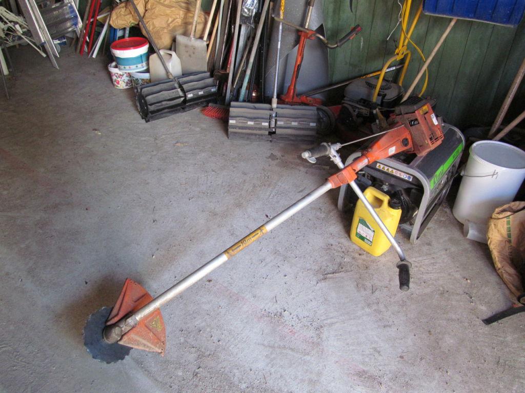 Husqvarna röjsåg 244rx. Lawn mower.