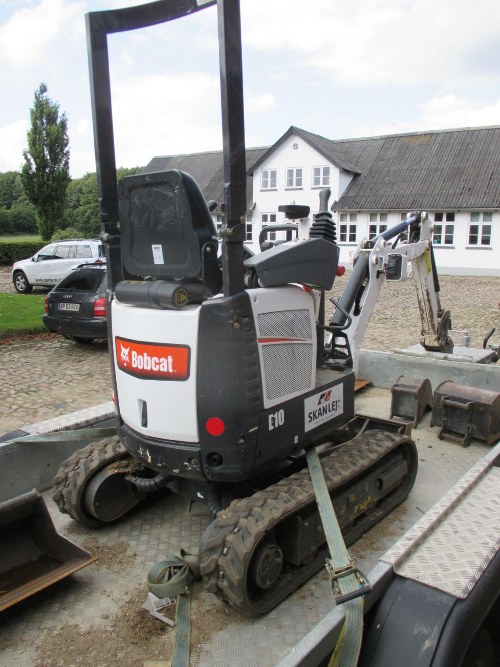 Bobcat E10 Minigraver / Bobcat E10 Compact Excavator for sale. Retrade offers used machines ...