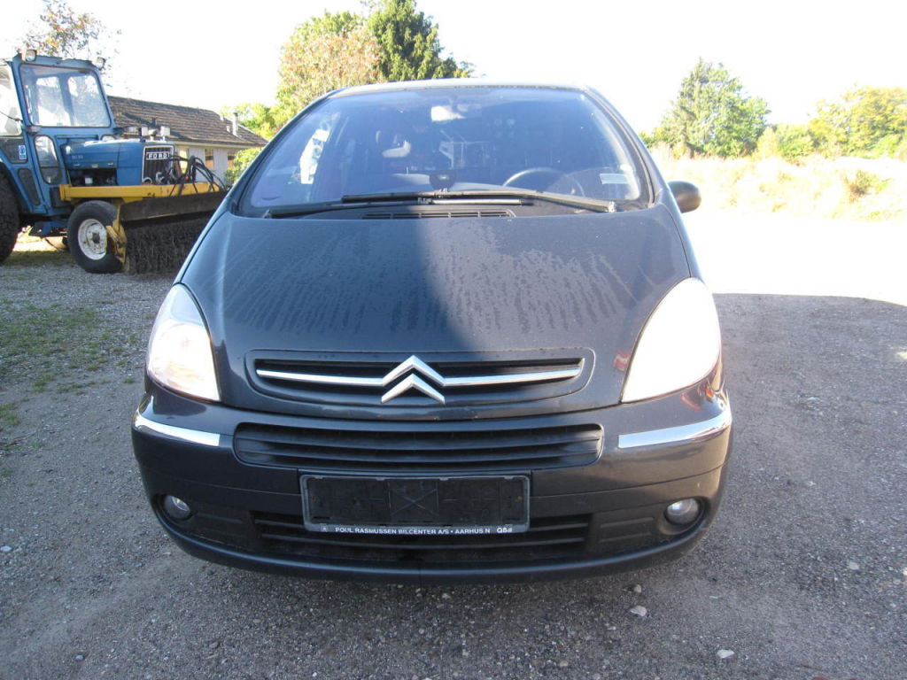 citron xsara picasso 1 6 hdi van for sale retrade offers used machines vehicles equipment and. Black Bedroom Furniture Sets. Home Design Ideas