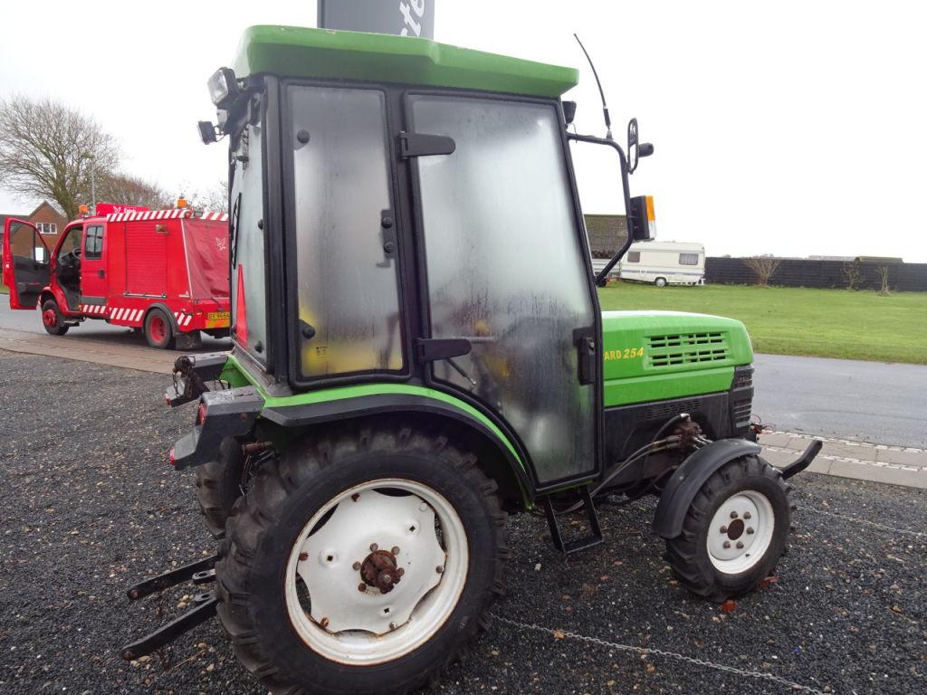 Tractor Pto : Europard wd traktor med frontlift pto