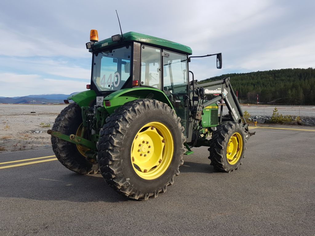 traktor john deere 5500 for sale retrade offers used. Black Bedroom Furniture Sets. Home Design Ideas