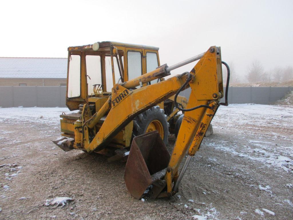 Ford 550 Rendegraver / Backhoe loader til salgs. På Retrade kan du kjøpe brukte maskiner, utstyr ...