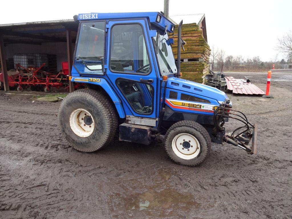 iseki 320 traktor tractor til salg p retrade kan du kbe. Black Bedroom Furniture Sets. Home Design Ideas