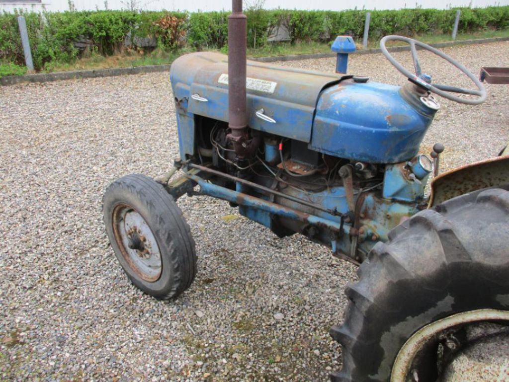 Ford Super Dexta Tractor Values : Ford super dexta diesel traktor tractor for sale