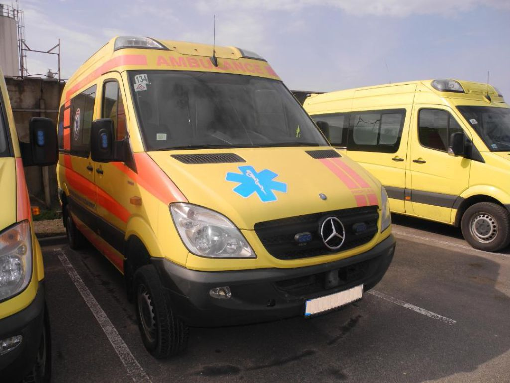 Mercedes Benz Sprinter 316 4x4 Ambulance For Sale Retrade Offers Used Machines Vehicles Equipment And Surplus Material Online Place Your Bid Now