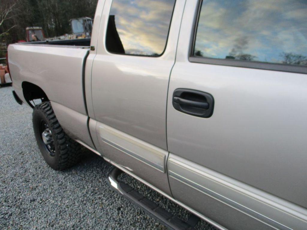 Chevrolet 2500 HD silverado van til salg. På Retrade kan du købe brugt udstyr, maskiner ...