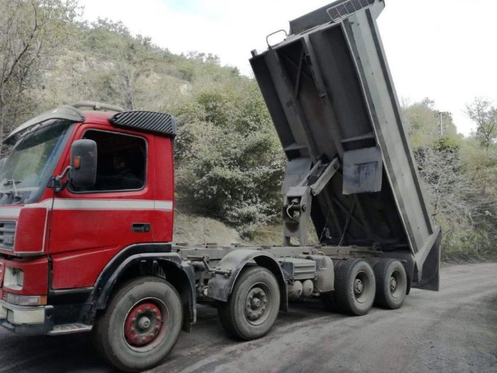 Volvo FM 420/ Tipper for sale. Retrade offers used ...