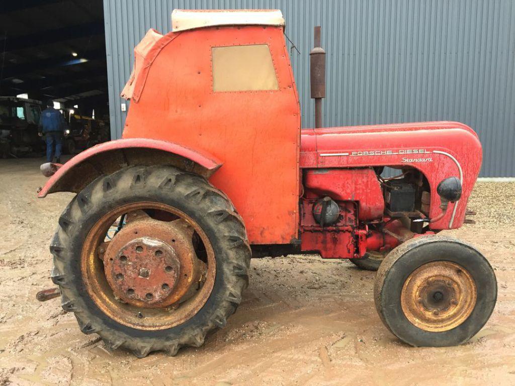 porsche 218 standard diesel tractor til salg p retrade. Black Bedroom Furniture Sets. Home Design Ideas