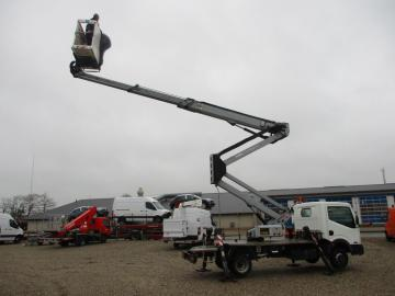 Oil & Steel Snake 20.10 Compact Person Lift / NISSAN CABSTAR F35.11 / Truck mounted Lift