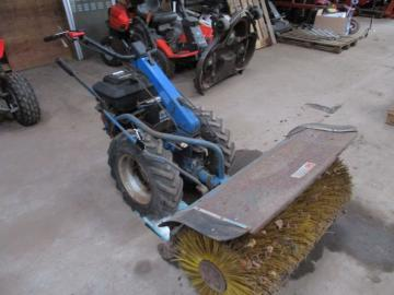 BCS 650 2 hjulet traktor med kost / 2 wheel tractor with sweeper