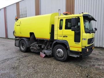 Volvo FL615 4X2 FAT5.6 BAT10 GVW15 LEAF