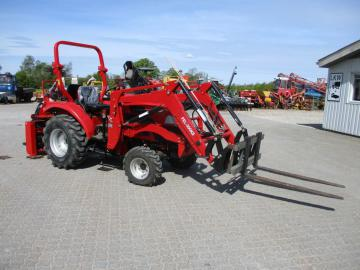 Dong Feng 304G2 4wd traktor med læsser og bagmonteret graver / Tractor with loader and rear mounted digger