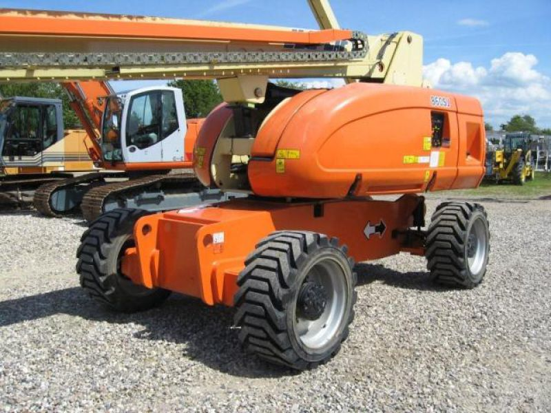 JLG 860 Bomlift - 1
