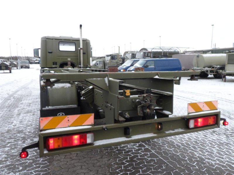 Scania 94 D lastvogn til container transport / Army truck - 4