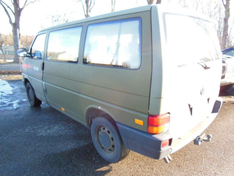 VW Transporter 2,4 / Army equipment - 14