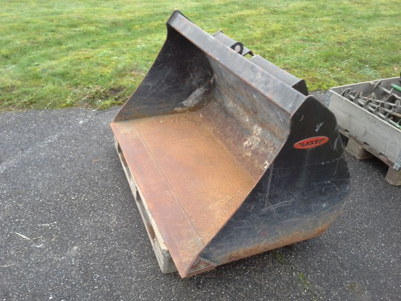 JST skovl til Schaffer minilæsser / JST shovel for a Schaffer mini loader for sale. Retrade ...