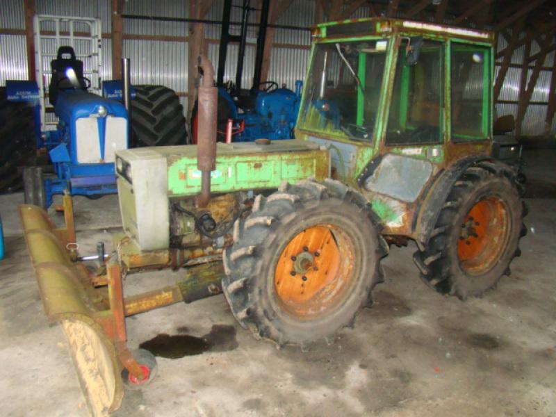 Holder 5200 traktor till salu. På Retrade kan du köpa begagnade maskiner, utrustning, fordon och ...