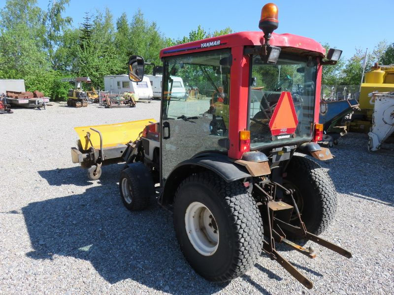 Yanmar EF235 minitraktor med kost / tractor with sweeper for sale. Retrade offers used machines ...