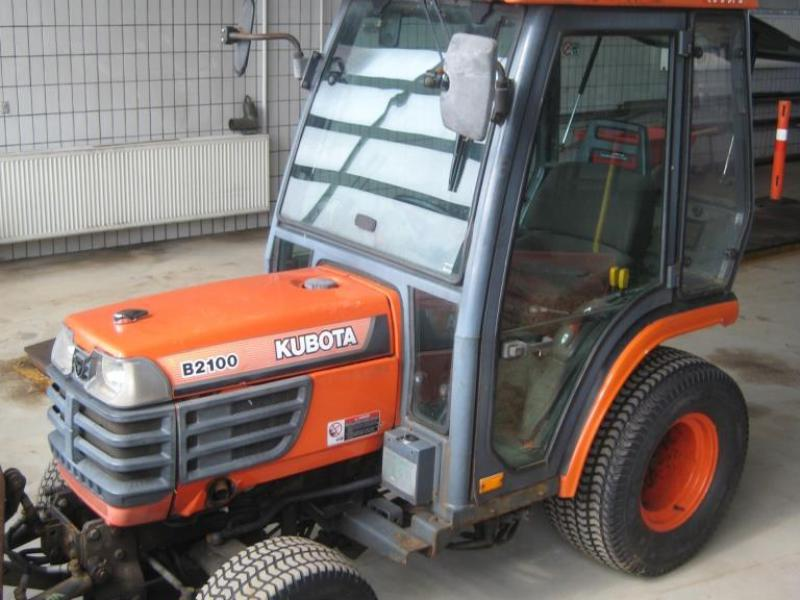 Kubota B2100 HD 4WD mini traktor med A-ramme i fronten. Timer 1348. for sale. Retrade offers ...