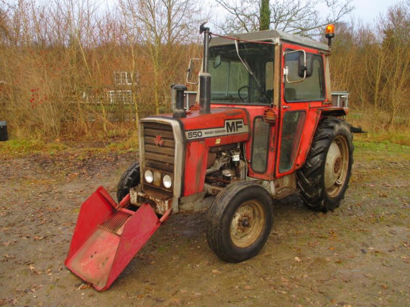 Massey Ferguson 550 Traktor / Massey Ferguson 550 Tractor for sale. Retrade offers used machines ...