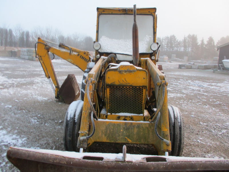 Ford 550 Rendegraver / Backhoe loader for sale. Retrade offers used machines, vehicles ...