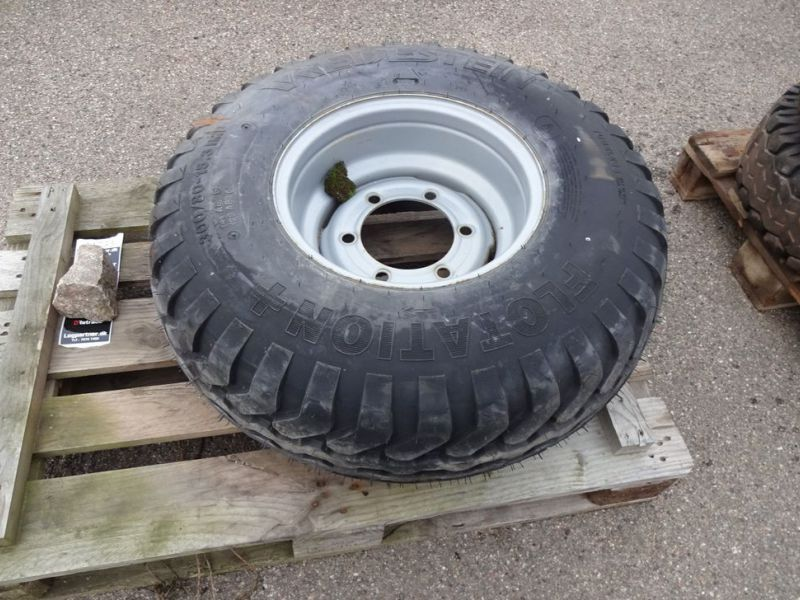 Dæk på fælge / Tires on rims - 17