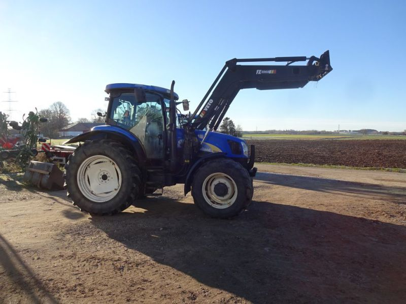 New holland tractor - 1