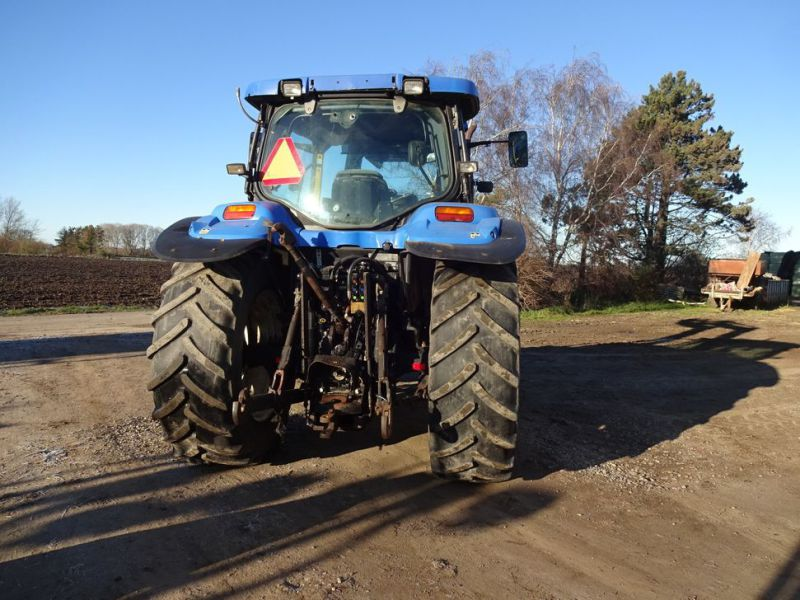 New holland tractor - 3
