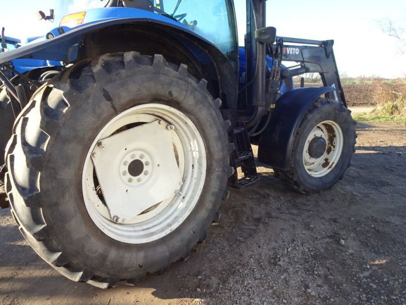 New holland tractor - 19