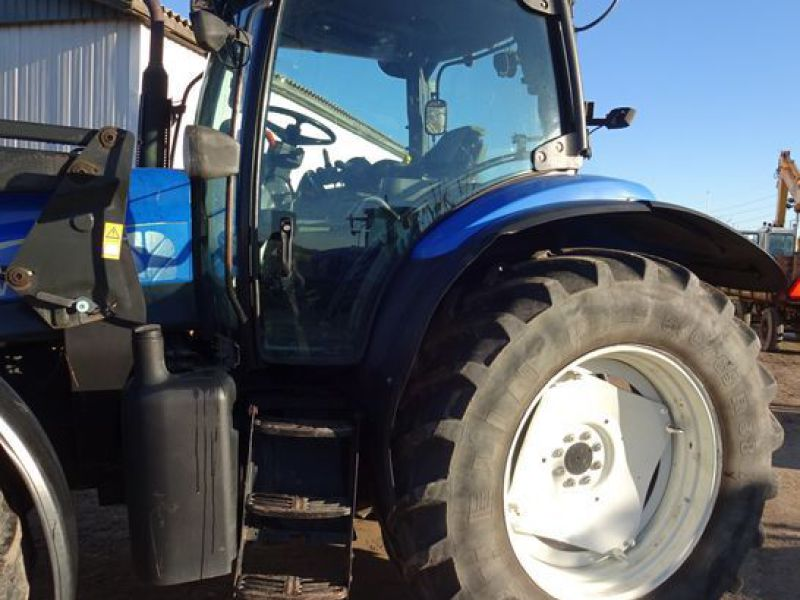 New holland tractor - 34